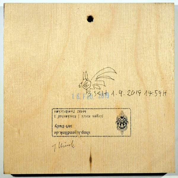 Rückseite eines Kunstwerks, Birkenholz mit Galeriestempel und Künstlersignaturen