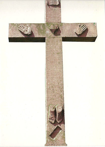 Jesuskreuz, an dem nur Füße und Hände zu sehen sind als Steinskulptur vor weißem, freigestelltem Hintergrund
