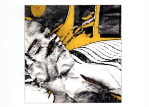 Das vom Knittern der Papiervorlage zerfurchte Gesicht eines schlafenden Mannes.