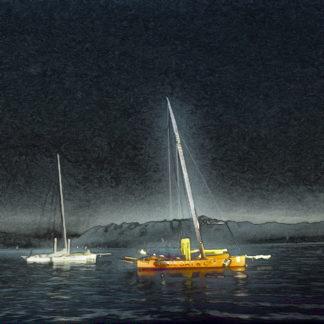 Ein solarisiertes, buntes Bild mit teilweise invertierten Farben. Im Dunkel des Himmels löst sich dunkles Wasser, auf dem zwei Boote liegen. Eines ist ein Katamaran mit orangenem Rumpf, gefolgt von einem weißen Segelschiff. Beide Wasserfahrzeuge haben ungesetzte Segel. Der Horizont schimmert hell. Das Bild hat ein großes Pixelrauschen.