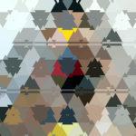 Abstraktes Bild aus Dreiecksstrukturen mit klaren Trennlinien. Wirkung wie ineinander kopierte Tannenbaum-Symbole, meist graublau, aber auch einzelne in gelb und rot.