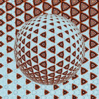 Abstrakte Struktur aus sich wiederholenden, abgerundeten Dreiecken. In der Mitte des quadratischen Bilds bilden die Dreiecke eine Kugelform, die durch simulierten Lichteinfall von rechts oben entsteht.